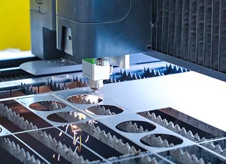 金属激光切割机的操作流程及其特点